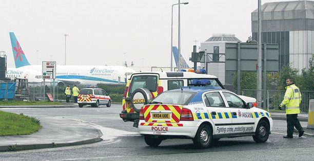 Pidätykset tapahtuivat Manchesterin lentokentällä Britanniassa.