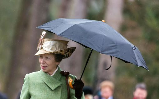 """Prinsessa Anne, 69, puolustaa valintojaan harvinaisessa haastattelussa: """"Ilmastonmuutoksessa ei ole mitään uutta"""""""