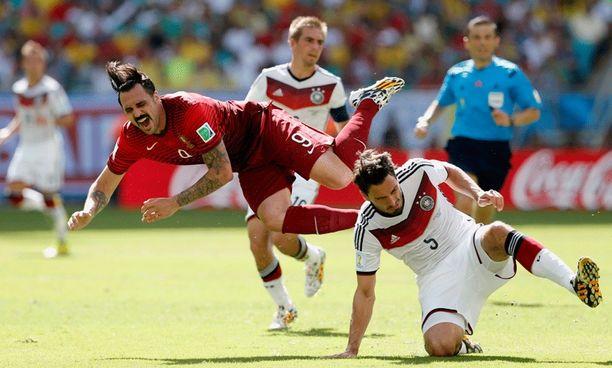 Hugo Almeidan MM-avaus päättyi loukkaantumiseen.