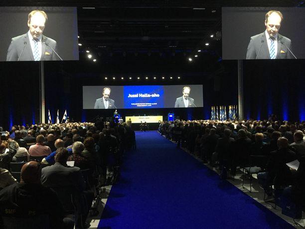 Puheenjohtaja Jussi Halla-aho puhumassa puolueneuvoston kokouksessa Lahdessa 1. syyskuuta 2018.