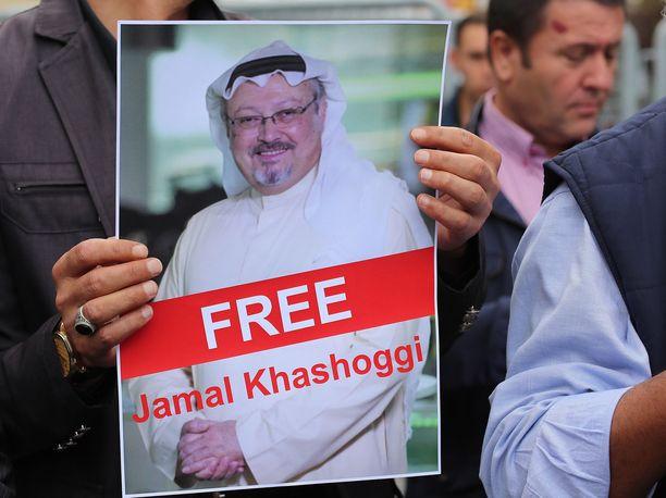 Sauditoimittaja Jamal Khashoggi katosi 2. lokakuuta vierailtuaan Saudi-Arabian konsulaatissa Istanbulissa.