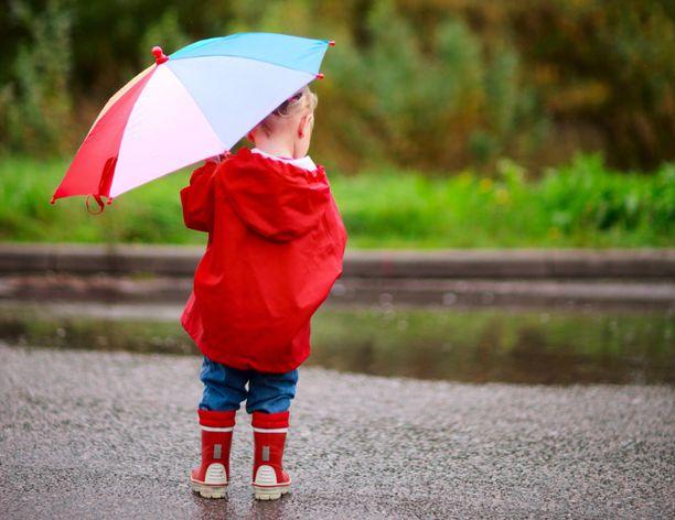 Yhtenäisiä kaatosateita ei ole tänään niin laajalti, mutta sadekuuroja tulee paikoin.