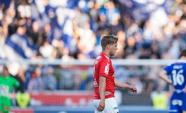 HIFK:n ulosajetun Jani Bäckmanin matka pukukoppiin oli pitkä.