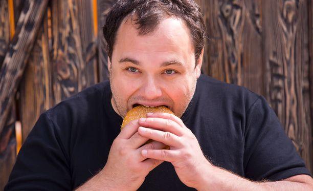 Uuden suomalaistutkimuksen mukaan ylipainoiset eivät ehkä saa mielihyvää syömisestä.