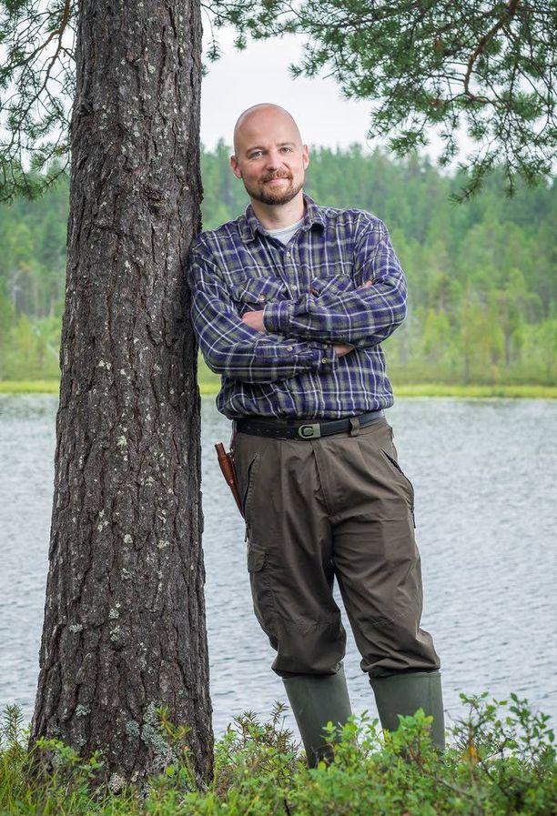 Kansanedustaja Mikko Kärnä (kesk) kertoo suhtautumisestaan muun muassa homoseksuaaleihin ja eri uskontoihin blogissaan.