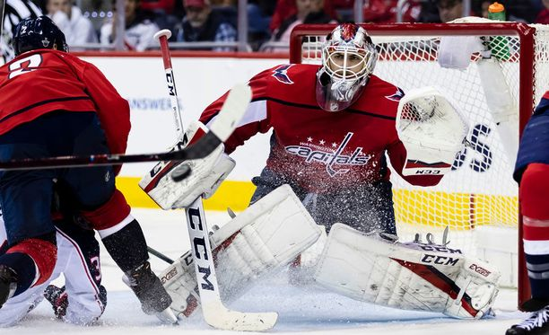 Braden Holtby oli Washingtonin sankareita.