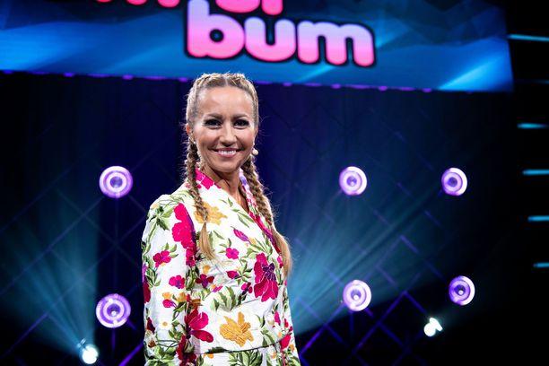 Jaana Pelkonen on Bumtsibumin uusi juontaja.