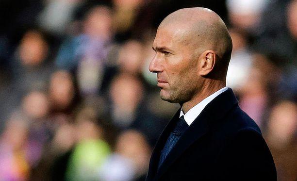 Zinedine Zidane on aloittanut Real Madrid -pestinsä kahdella murskavoitolla.