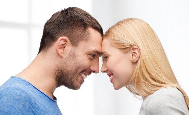 Tunteiden jakaminen ja niistä puhuminen on hyvä merkki.