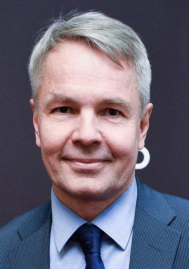 Pekka Haavisto (vihr) hämmentyi Talibanilta tulleesta avunpyynnöstä.