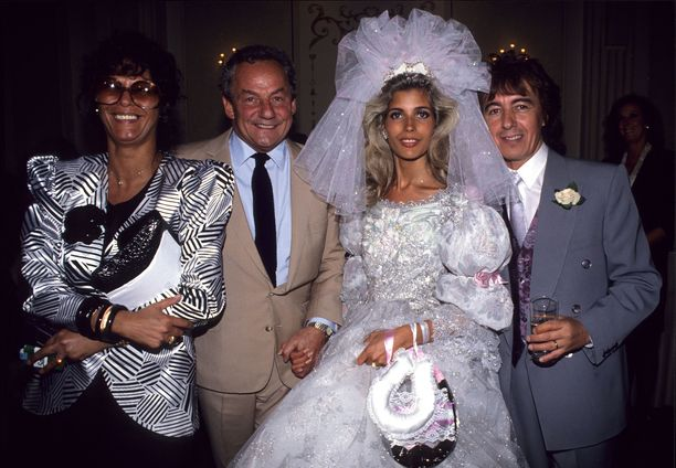 Mandy Smith ja Bill Wyman avioituivat kesällä 1989. Kuvassa myös Johnny ja Jan Gold.