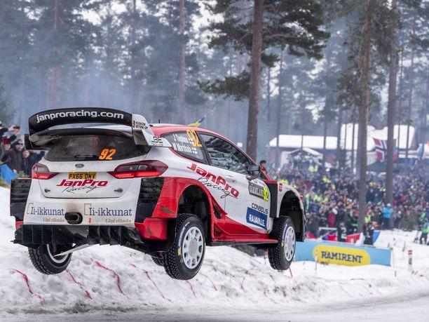 Janne Tuohino lennätti JanPro Racingin WRC-Fordin mainosmielessä kymmenenneksi viime talven Ruotsin MM-rallissa.
