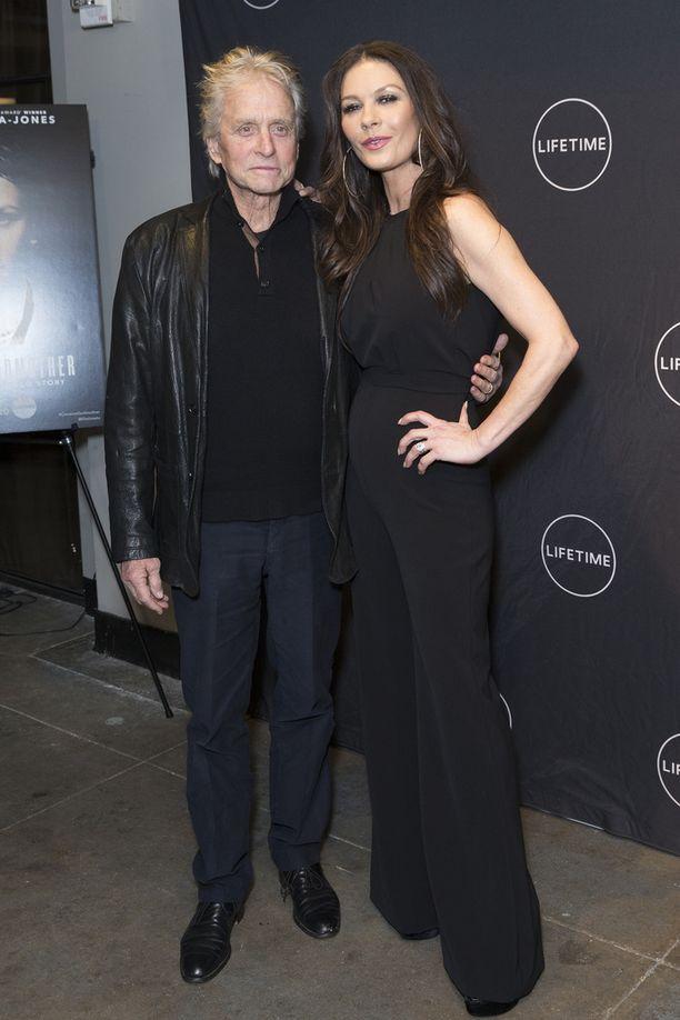 Michael Douglas on naimisissa Catherine Zeta-Jonesin kanssa.