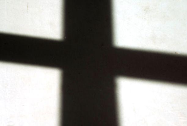 Kirkon mukaan seksiseuran hakeminen ei sovi papille.
