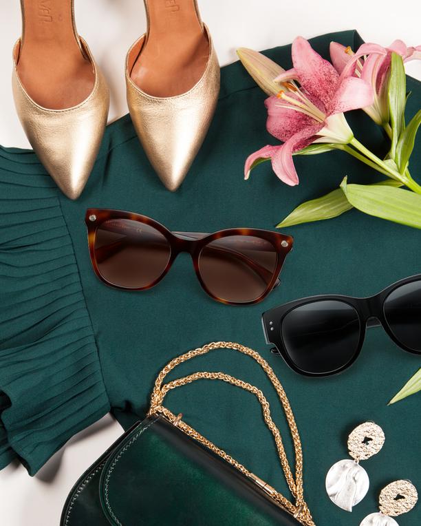Longchampin naisellisissa laseissa yhdistyy kaksi trendiä: Kissamainen muoto ja tortoise-kuvio.