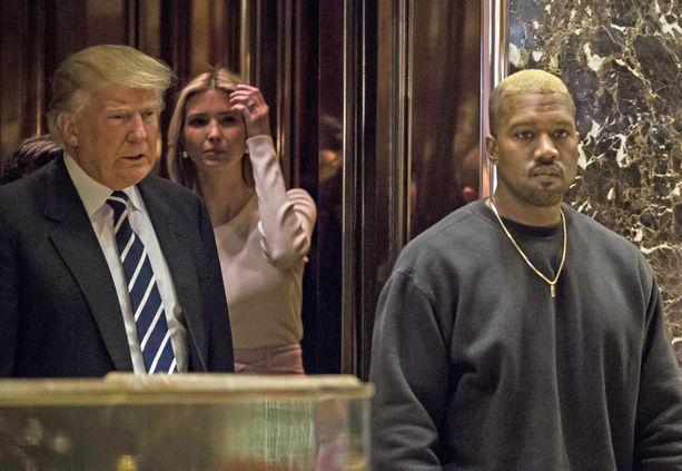 Myös Donald Trumpi Ivanka-tytär oli paikalla.