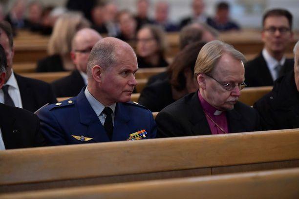 Jumalanpalvelukseen osallistui myös arkkipiispa Kari Mäkinen.