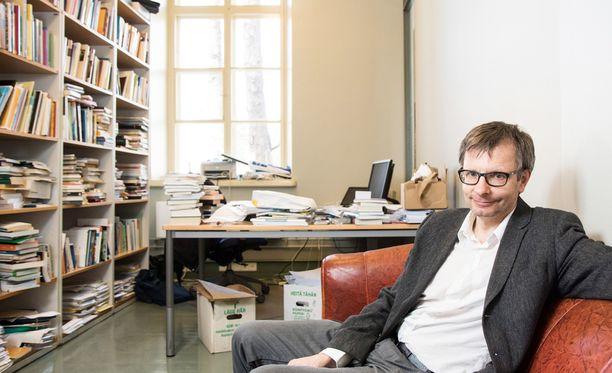 Professori Heikki Hiilamon työryhmä ehdottaa rajua muutosta nykyiseen sosiaaliturvaan.