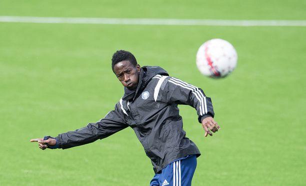 HJK:n Demba Savage aloittaa Stadin derbyn vaihtopenkillä.