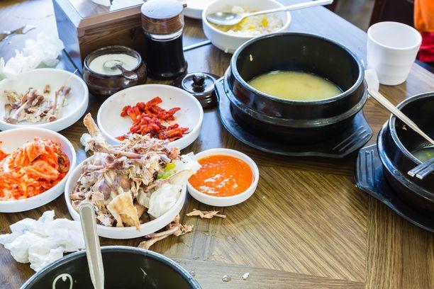 Ruokahävikkiä kertyy ravintola-alalta yhteensä 75–85 miljoonaa kiloa vuodessa.