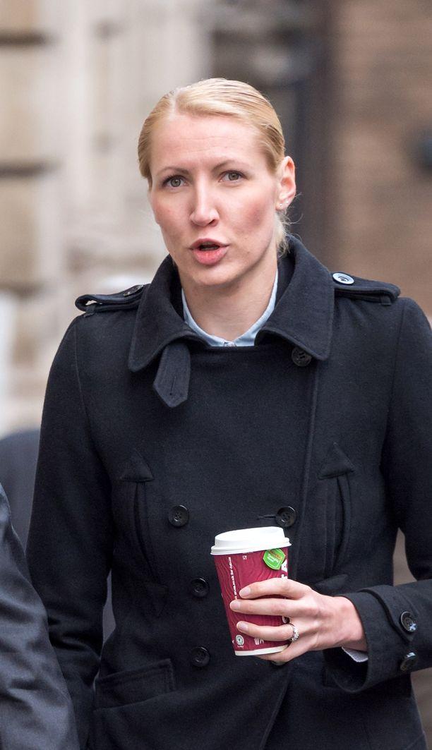 Nyt 29-vuotias Wilson saapumassa maanantaina oikeuden istuntoon Bristolissa.