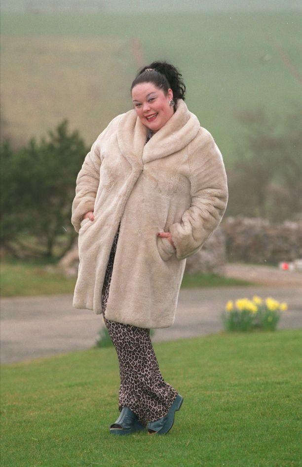 Tältä Lisa Riley näytti aiemmin esittäessään Emmerdale-sarjassa Mandy Dinglea.