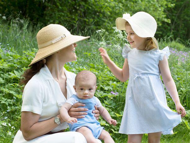 Victorian, Estellen ja Oscarin kesälook.