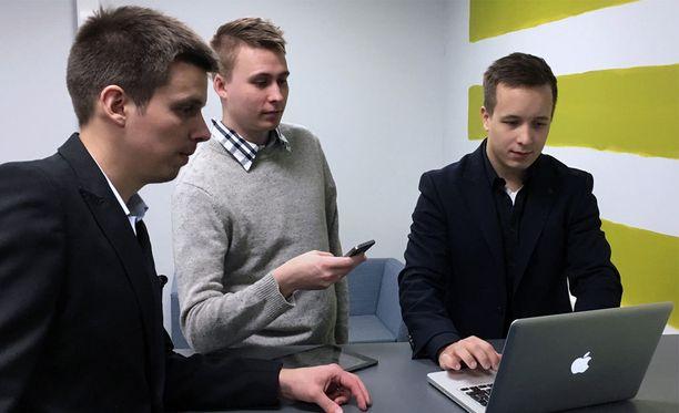 Vastavalmistuneet diplomi-insinöörit lähtivät yrittämään nettipalvelulla.