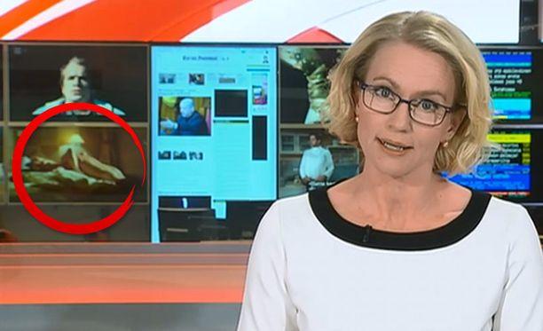 Paljas pinta alkoi vilkkua taustalla uutisankkuri Marjo Lehikoisen juonnon aikana.
