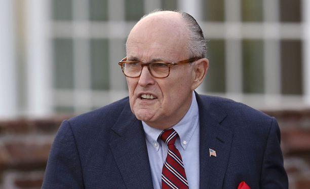 New Yorkin entinen pormestari, kokenut republikaanipoliitikko Rudy Giuliani on ilmoittanut, että ei ole käytettävissä Yhdysvaltain tulevaksi ulkoministeriksi.