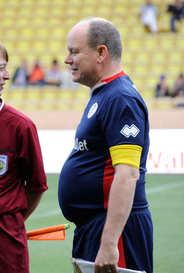 Urheilupaita paljasti, että ruhtinas Albert kärsii keskivartalolihavuudesta.