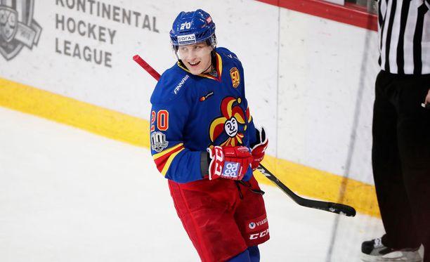Eeli Tolvanen on iskenyt jo 18 pistettä 14 ottelussa.