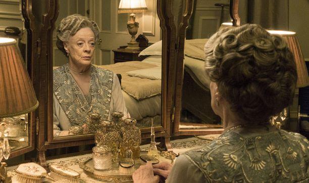 Viisi vuotta leskikreivittärenä riitti Maggie Smithille, joka ei halua mukaan suunnitteilla olevaan elokuvaan.