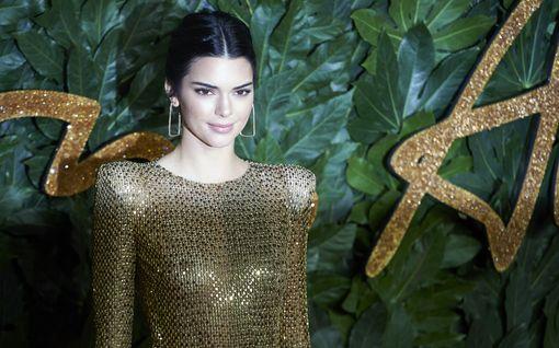 Kendall Jenner sai kritiikkivyöryn kulttuurin omimisesta