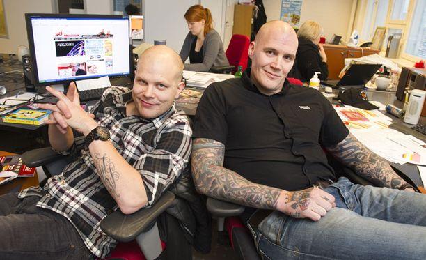 NRJ:n aamupojat Anssi Honkanen (vas.) ja Renne Korppila.