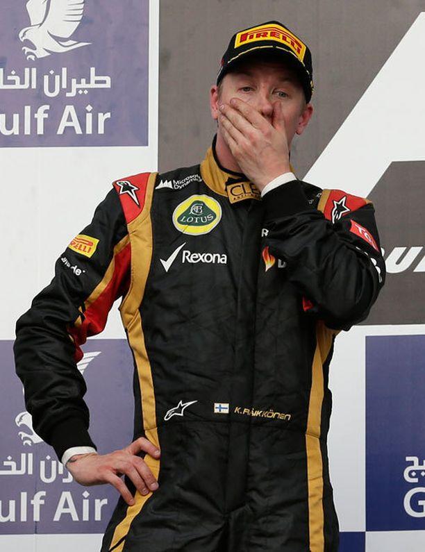 Kimi Räikkönen tuli toiseksi Bahrainin GP:ssä. Hän sai säästeltyä renkaitaan ja kävi varikolla vain kaksi kertaa.