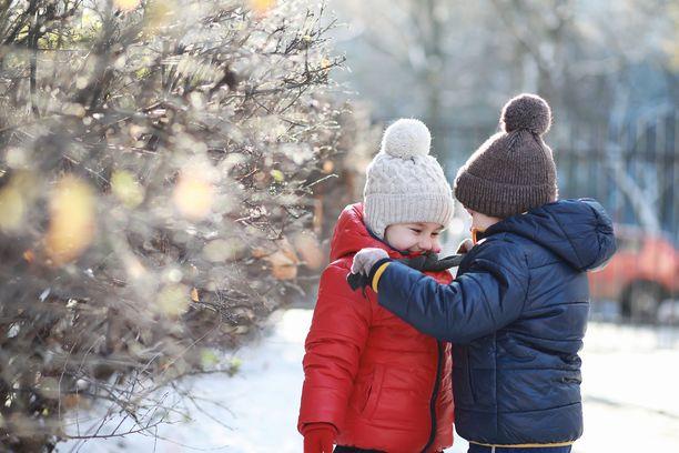 Ensi viikon puolivälin tienoilla Suomessa voi sataa laajalti lunta.