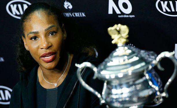 Serena Williams on voittanut tennisurallaan valtavan määrän turnauksia. Nyt legenda on tovin poissa pelikentiltä.