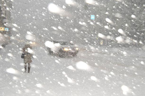 Lumimyräkkä Helsingissä viime vuoden joulukuussa.