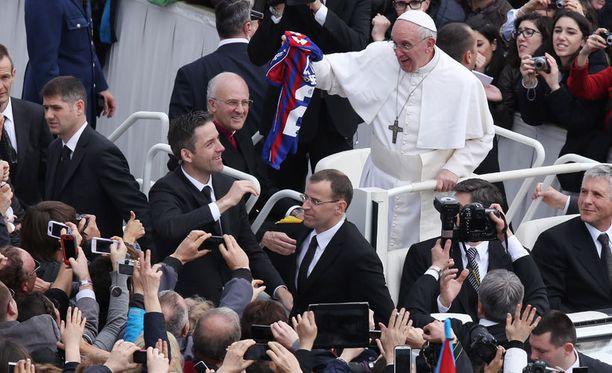 Paavi Franciscus on intohimoinen San Lorenzon kannattaja.