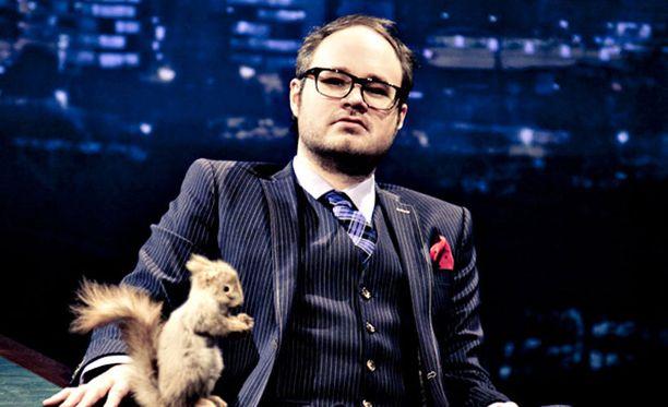 TV5 ei ollut tyytyväinen Tuomas Enbuske Talk Show'n keräämiin katsojamääriin.