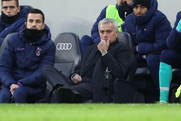 Jose Mourinho luotsaa Tottenhamia.