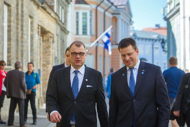 Suomen ja Viron pääministerit kehuivat Tallinnassa maiden syvenevää yhteistyötä.