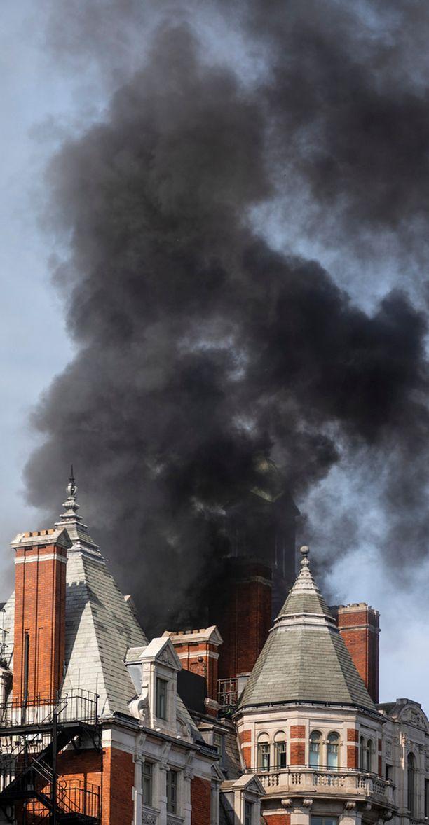 Robbie Williamsin hotelli paloi rajusti.