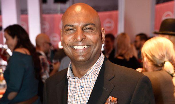 Tino Singh tuli 1990-luvulla tutuksi Passi ja hammasharja -ohjelmasta.