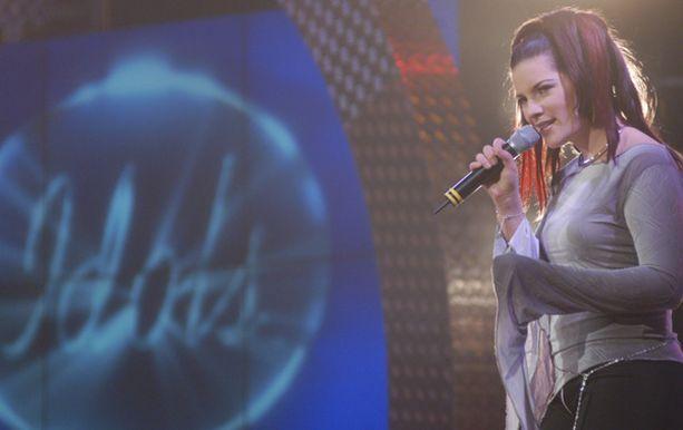 Hanna Pakarinen voitti Suomen ensimmäisen Idols-kisan.