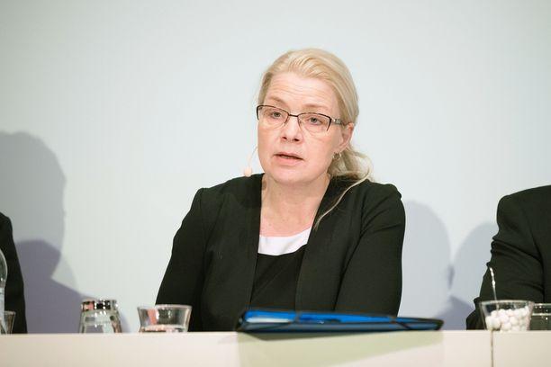 Perussuomalaisten eduskuntaryhmän puheenjohtaja  kertoi maanantaina, että osa puolueen kansanedustajista suhtautuu epäilevästi tiedustelutietojen hankinnan yhteydessä mahdollisesti ilmi tulevien muiden tietojen käyttöön.