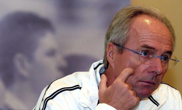 Sven-Göran Eriksson lehdistötilaisuudessa Wienissä vuonna 2004.