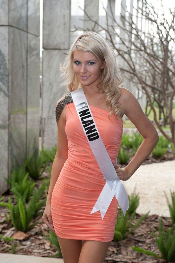 Pia Pakarinen edustaa Suomea parhaillaan Brasiliassa pidettävissä Miss Universum -kilpailuissa. Kuva keskiviikolta.