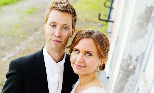 Esa ja Viola löysivät toisensa Ensitreffit alttarilla -ohjelman kautta.